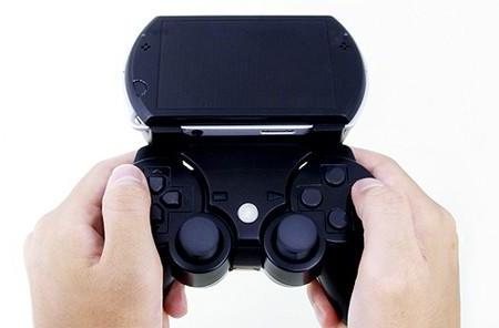 New Gametech Bear peripheral sticks your DualShock 3 to a PSP Go