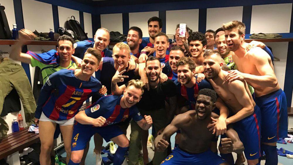 FOTO: El Barcelona celebró en el vestuario tras el 2-3 al Real Madrid