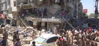 Karachi, esplode un edificio, almeno cinque morti