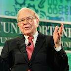 Warren Buffett Sells Off $2.1 Billion Oracle Stake, Trims Apple Investment