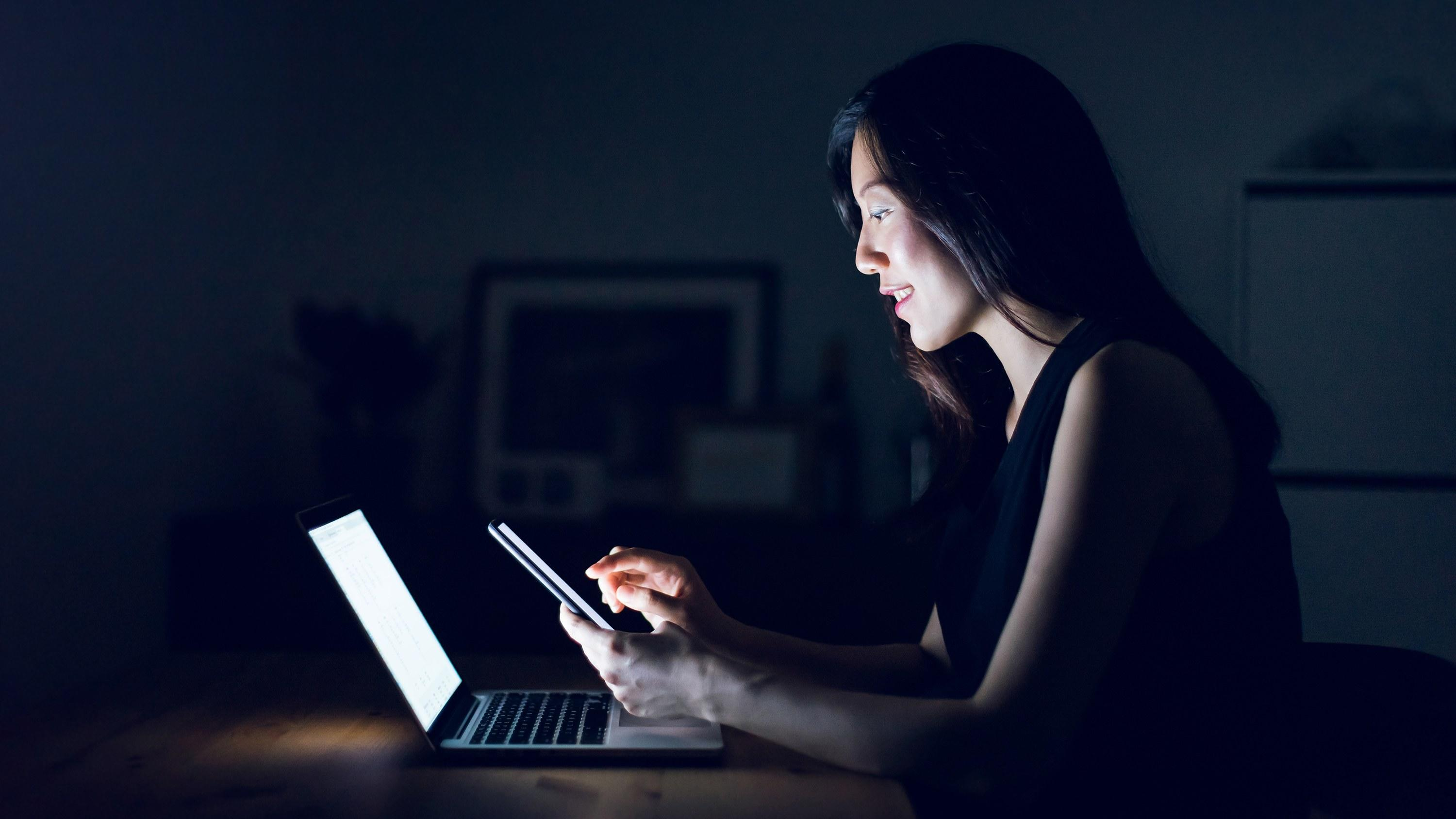 How Lighting Can Affect Your Wedding: The Scary Way Blue Light From Your Phone Can Affect Your