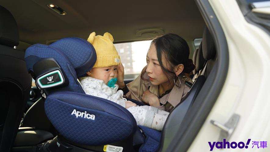 新手爸媽輕鬆上手!育嬰神器Aprica Fladea Grow ISOFIX Premium平躺型安全座椅激推開箱! - 1