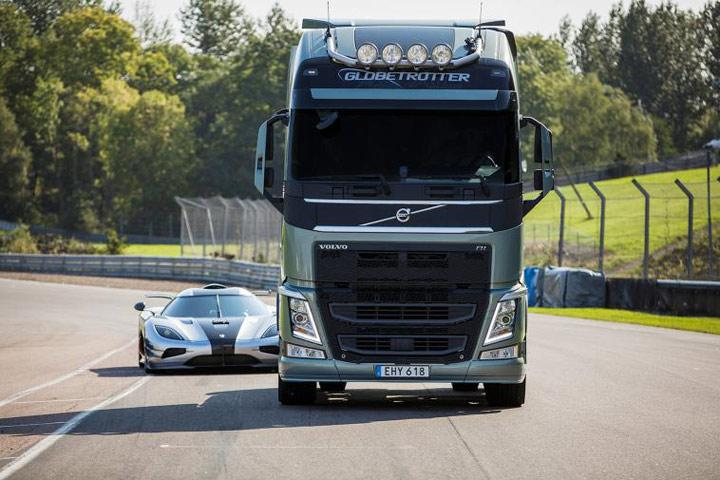 Koenigsegg Volvo Truck Race Photo
