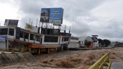 Raw: Torrential Rains Flood Southern Mexico
