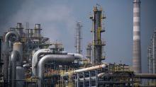 Oil's rally challenges bond investors' dim global economic outlook, says strategist