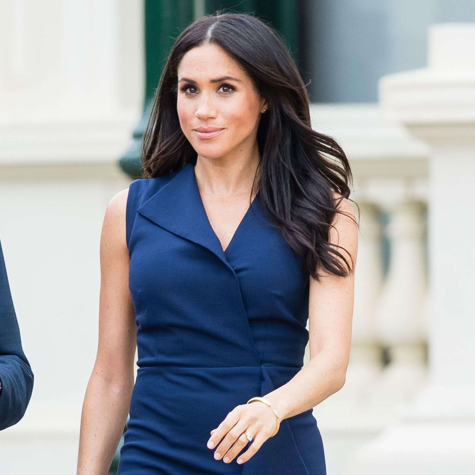 Meghan Markle Debuts A Beachy, Breezy New Updo In Australia