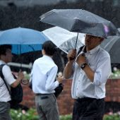 Hundreds of flights grounded as typhoon strikes near Tokyo