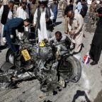 Pakistani Taliban suicide bomber rams police truck, kills seven