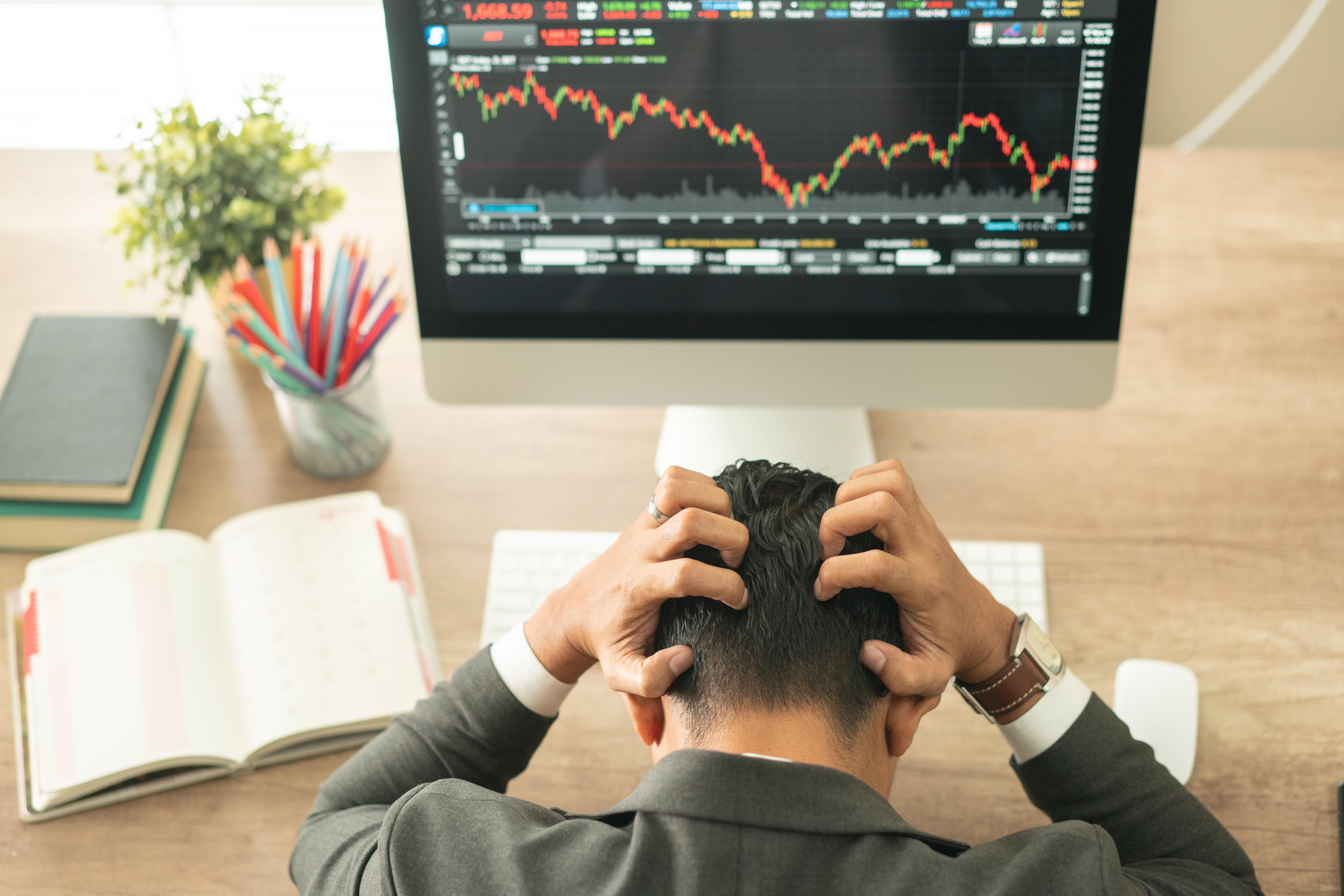 How to trade crashing stocks like a pro as coronavirus roils markets