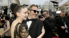 La modesta celebración de Joaquin Phoenix tras ganar el Oscar