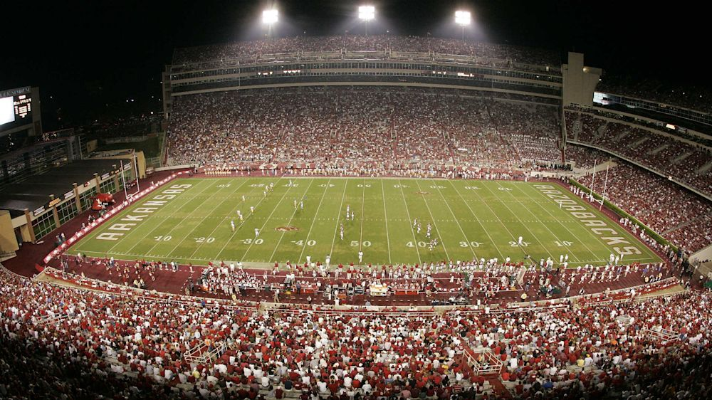Fans with guns? Arkansas football players are concerned