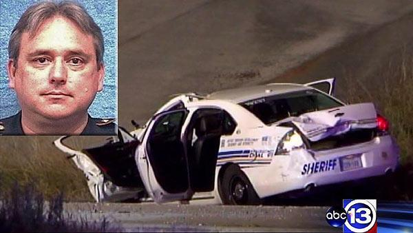 Deputy recovering in hospital after crash