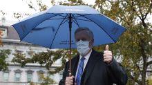 """La Casa Blanca dice que EE.UU. no podrá """"controlar la pandemia"""" tras subir los casos"""