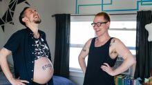 Ya nació Leo, el hijo biológico de una pareja transgénero