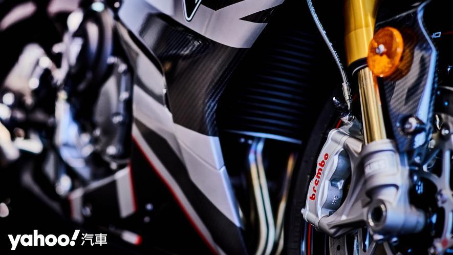 唯一官方認可道路化廠車!Triumph Daytona Moto2 765 Limited Edition實車鑑賞! - 11