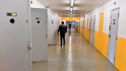 """Prison de Mont-de-Marsan : sept gardiens agressés par un détenu """"radicalisé"""""""