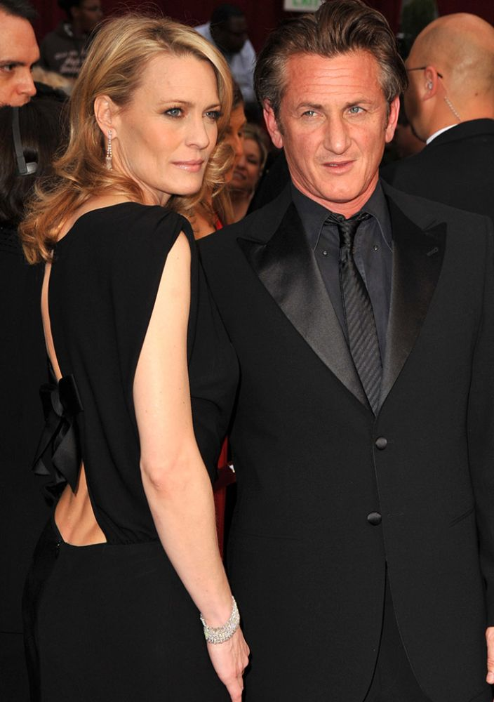 Robin Wright Penn and Sean Penn attended the Academy Awards together on Feb. 22, 2009.