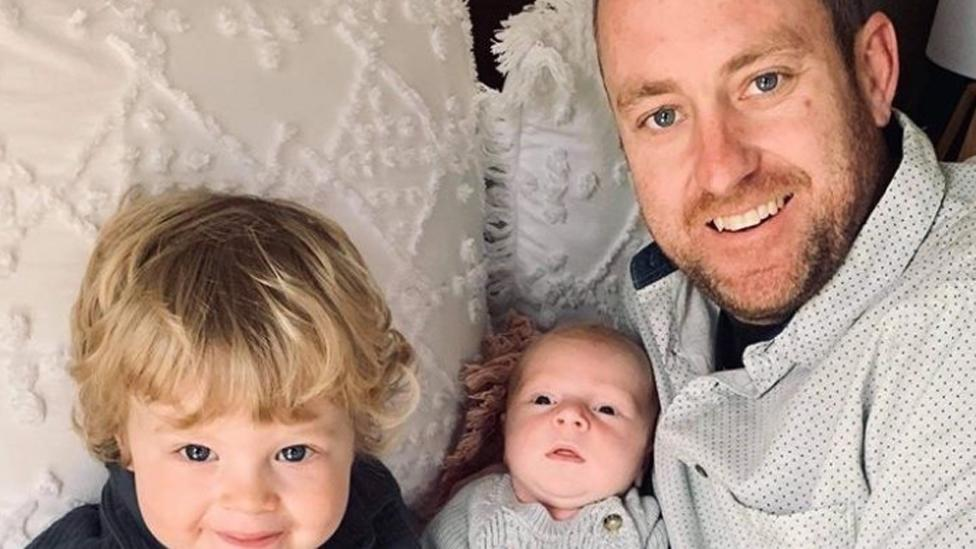 Melbourne dad electrocuted to death just weeks after baby's birth – Yahoo News Australia