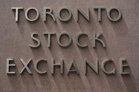 TSX futures rise on higher oil prices