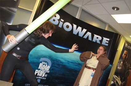 BioWare employees satirize SWTOR's ginormous lightsabers