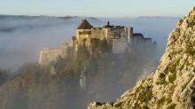 Fort de Joux, pâtisserie art-déco, usine de fil à soie... La Fondation du patrimoine choisit 101 sites en péril à restaurer