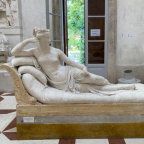Tourist breaks toes off 19th century Italian statue then sneaks out of museum