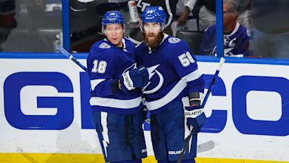 Lightning show no mercy in Game 5 drubbing