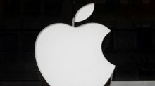 Apple invites Hollywood to Silicon Valley in TV push