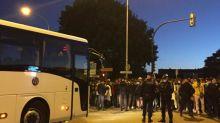 """""""On est beaucoup ici, moi aussi je suis tombé malade"""" : 1 500 migrants à la merci du coronavirus ont été évacués d'un campement à Aubervilliers"""