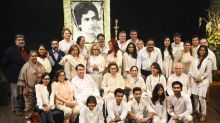 Celebs come to pay respects at Shashi Kapoor's chautha
