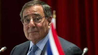 Panetta unaware of more names in Petraeus case