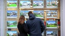 UK housing boom leads to £2,500 jump in asking prices