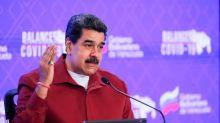 Presidente de Venezuela y su esposa reciben primera dosis de vacuna rusa
