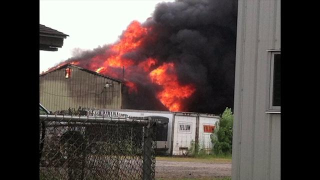 Massive fire destroys building in Hammond, In