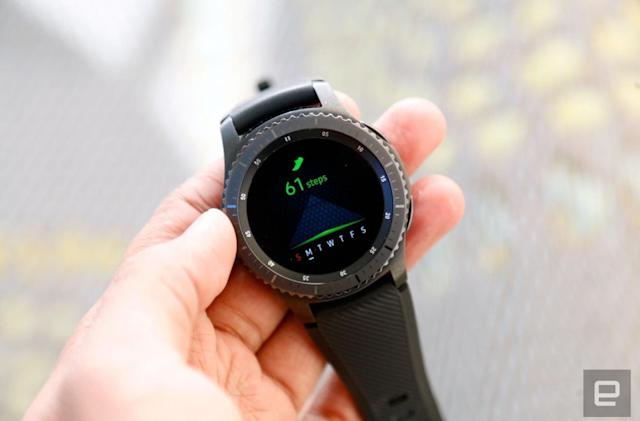 Samsung updates older Gear watches with handy fitness tools