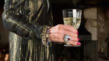 Boire du champagne serait le secret de la longévité, d'après une femme de 108 ans