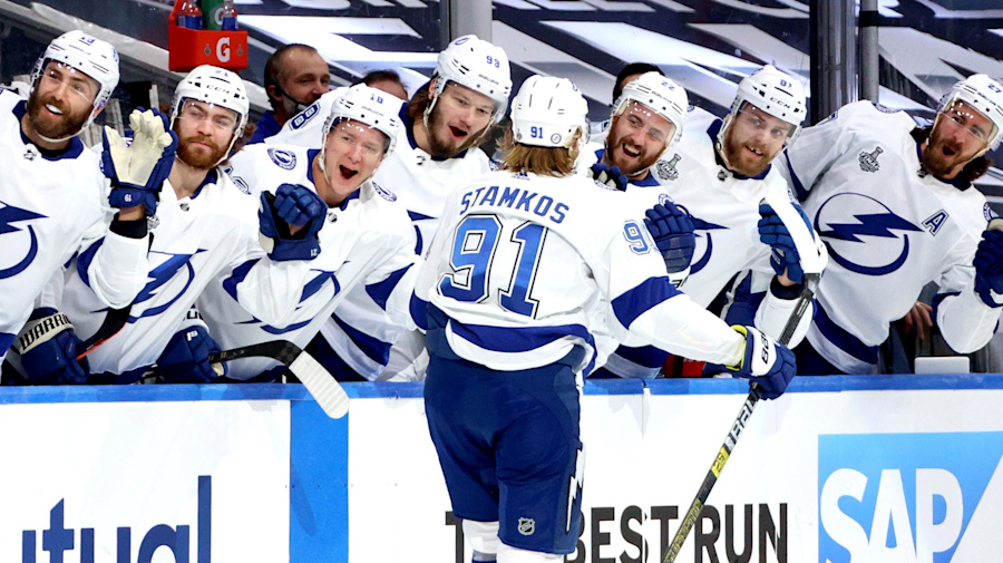 Stamkos, Lightning rout Stars in Game 3