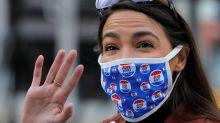 Alexandria Ocasio-Cortez é reeleita deputada pelo 14º distrito da cidade de Nova York