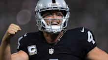 Derek Carr signs $125 million contract with Raiders that will come with an interesting bonus when the team moves to Las Vegas