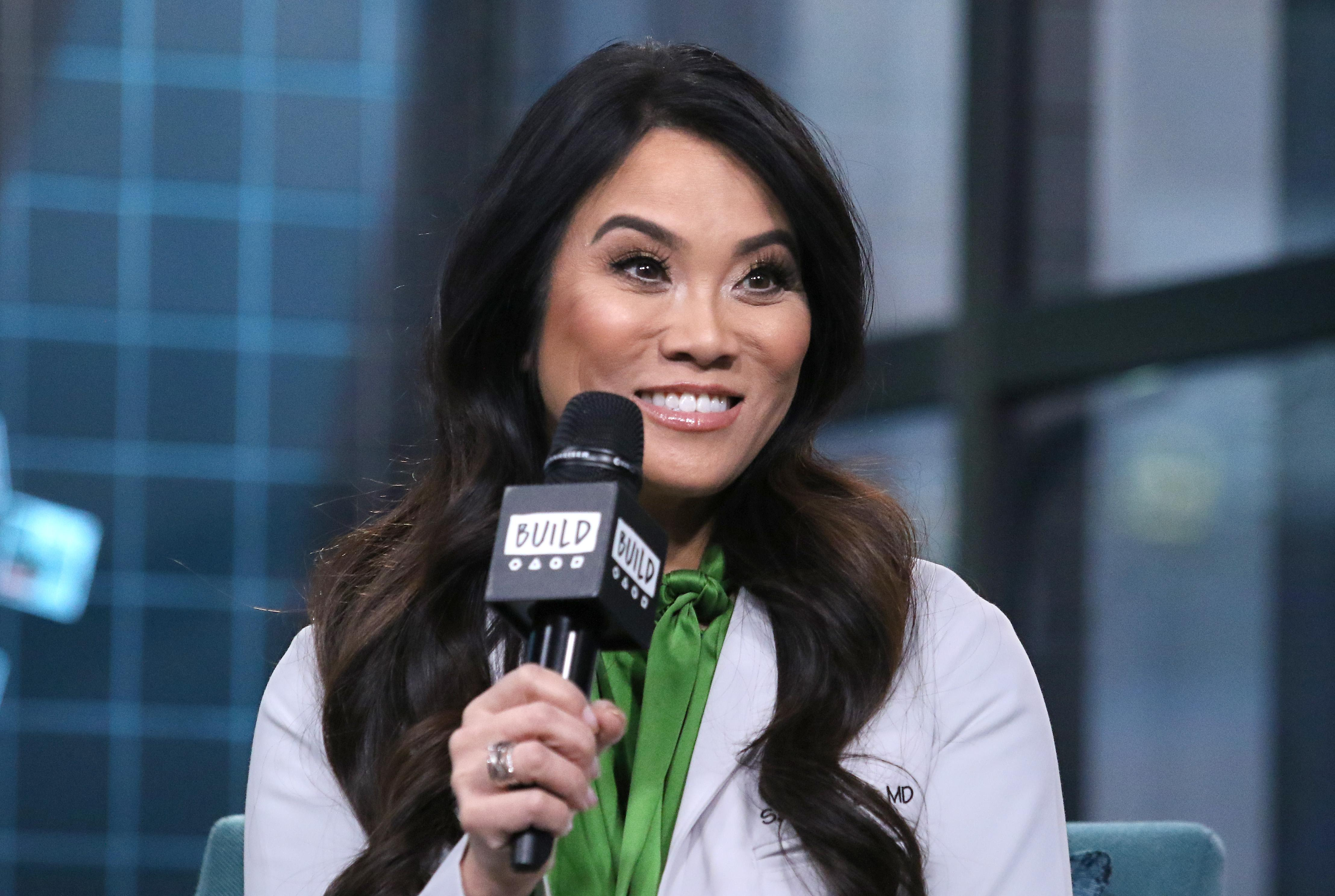 Dr Pimple Popper Says Selena Gomez Kept Her From Getting