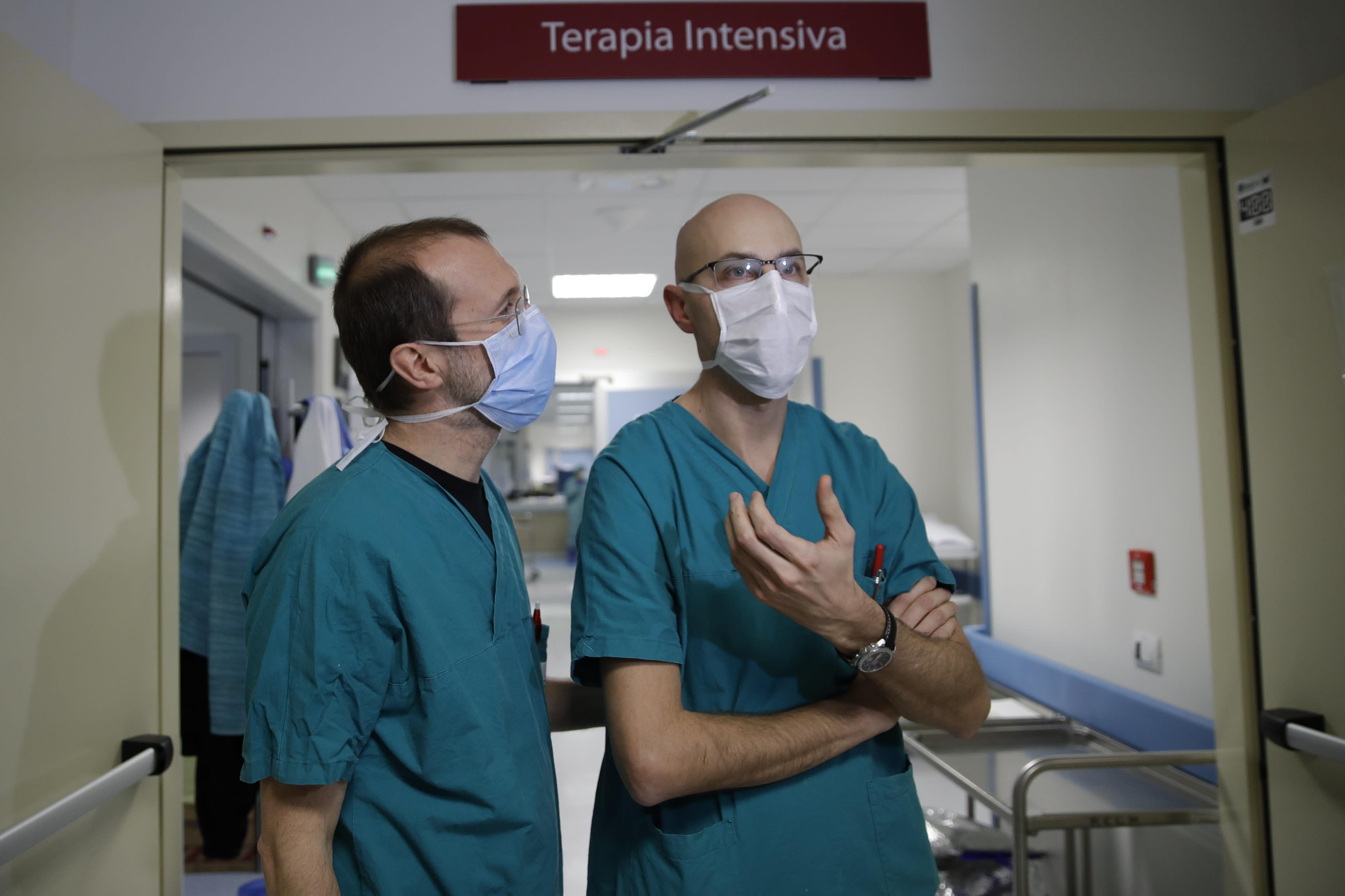 Coronavirus cases top 30,000