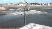 Timelapse Shows Platte River Floodwaters Sweeping Away Poles in Nebraska