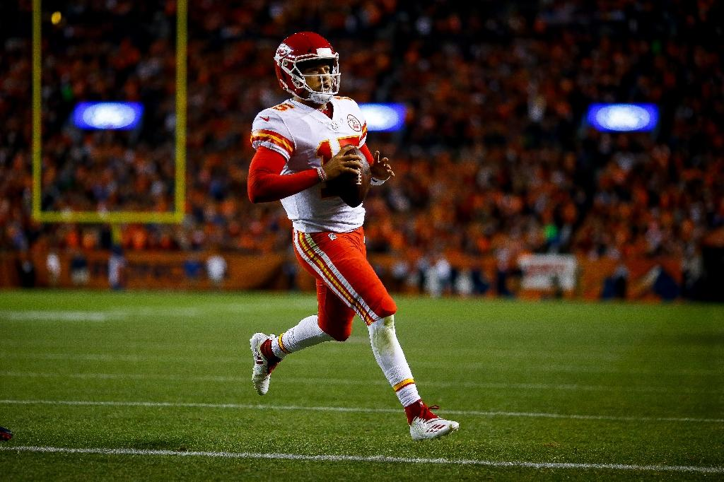 Mahomes inspires comeback as Chiefs extend perfect start