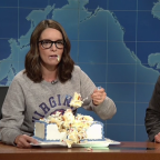 Tina Fey crashes 'Weekend Update,' dings Trump for Charlottesville response (and stress eats)