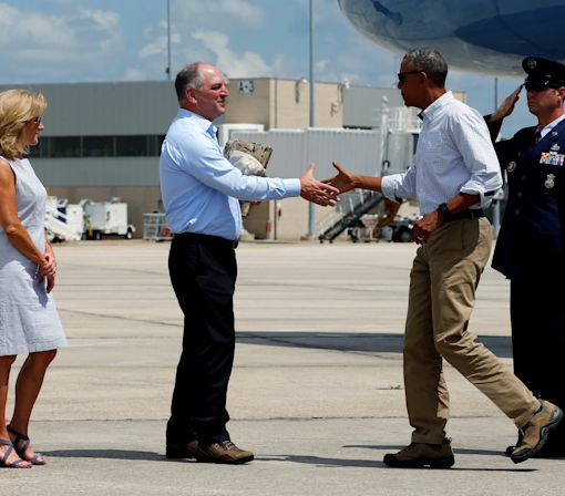 Obama promises support to Louisiana after floods