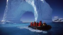 La crisis climática y el turismo se alían para acabar con los polos