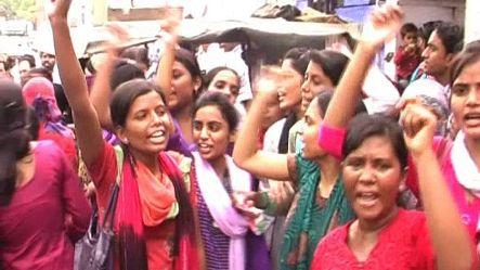 Girls protest absence of names in Laptop distribution