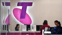 Strike 1: Telstra investors reject bonuses