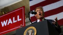 Trump declara la emergencia en la frontera EEUU-México entre protestas de los demócratas