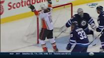 Lindholm sets up Perry with beautiful dish